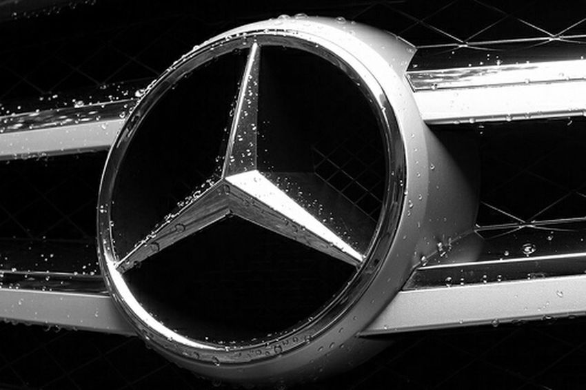 Grill w212 W212E-Class Mercedes-Benz Monochrome Photography The Drive