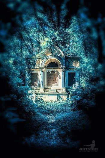 Ruhestätte - Tomb Architecture Street Photography Urban Still Life GERMANY🇩🇪DEUTSCHERLAND@ Colorkey ArtWork Light And Shadow Art Friedhof