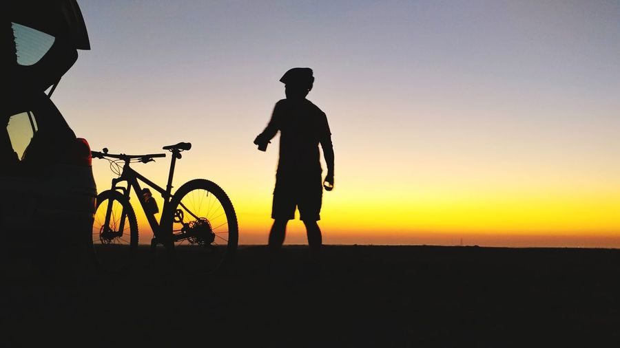 Silhouette Eyeem Philippines Dawn Of A New Day Dawn Light Dawn Race Day Mountain Biking Mountain Bike Trek Bikes Cycling Mountain Bike Sportsman Sunset Bicycle Headwear Silhouette Cycling Healthy Lifestyle Men Pedal Sunbeam Racing Bicycle Dramatic Sky Atmospheric Mood Romantic Sky