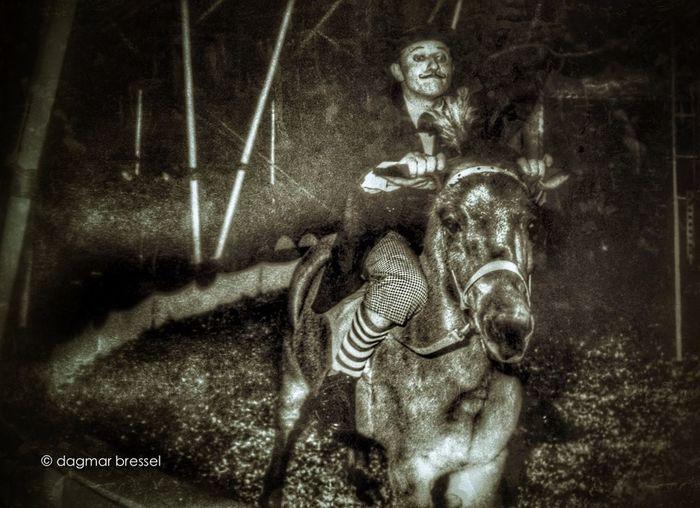Zirkus Charless Momochrome Monochromeart Circus WeAreJuxt.com Shootermag Horse Zirkus Ride