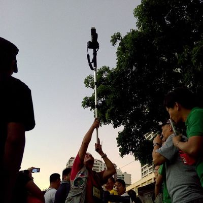 """DSLR """"monopod"""" is so cool xD Again with Mr. Cool cameraman xD -while waiting for the Pope to arrive in Ph"""