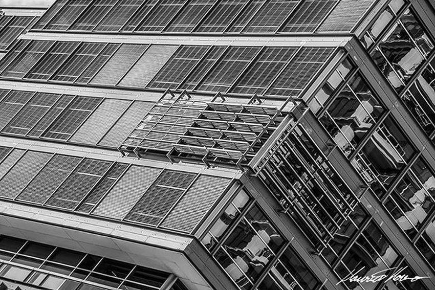Sydney - New South Wales, Australia. www.mauriciomoreno.com Seeaustralia Ilovesydney Newsouthwales Sydneylocal Sydney_insta Xploresydney City Explore Fatalframes Citybestpics Bagagemcriativa Majestic_earth_ Bestworldpics Myflagrants Instadozamigos Earthexclusive Loves_world Respirofotografia Ig_worldphoto Soulnature_ Click_n_share Postcardsfromtheworld Worldingram Supermegamaster_pics Prestige_pics Image_gram fotoencantada exclusive_shots galeriamink rededefotografos worldtravelscapes