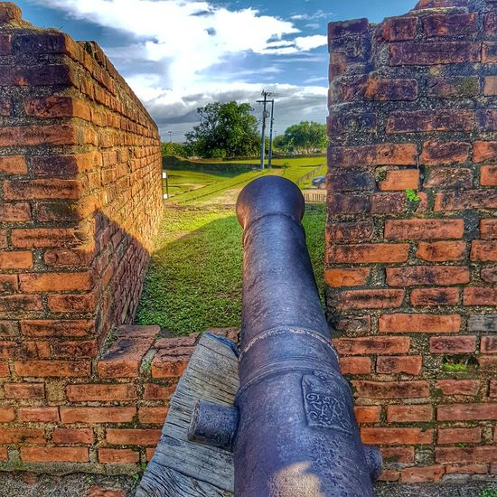 Cannon Gun Fortress Wall Fortress Fortress View Defense Premium Collection Getty Images Grass Vintage Vintage Technology Vintage Building Vintage Architecture Historical Monuments Historical Place