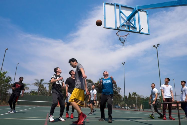Tension Frozen In Time Be. Ready. Fun Real People Sport Competition Look Up The Sky Suspense Having Fiun Time Freeze Basketball Hoop Basketball - Sport Sports Clothing Team Sport EyeEm Selects