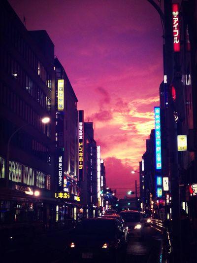 台風の切れ端。 Sunset City Light And Shadow