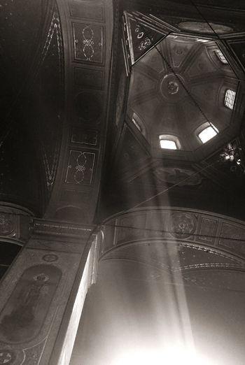 В Вознесенском соборе в Ельце. Церковь интерьер свет Church Interior Light