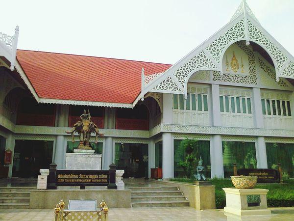 พิพิธภัณฑ์สักทอง วัดเทวราชกุญชร Temple ARCHITECT Old Buildings