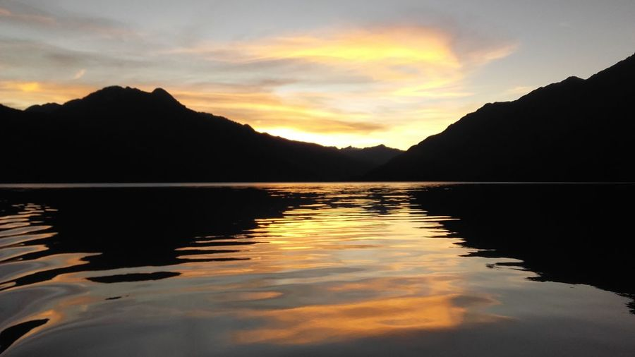 Water Mountain Sunset Lake Tree Silhouette Reflection Sky Landscape Cloud - Sky Reflection Lake Calm EyeEmNewHere