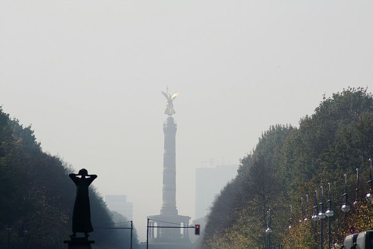Statue Day Architectural Column Fog City No People Tree Travel Destinations SkyTriumphal Column Outdoors Sculpture Architecture Berlin Photography Berlin The Caller