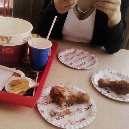 Papanicko PridavaBaruska NevyznaSeVtom KFC hungryboobsboyfriendSantaCruzVansafternooninBudejicebestpartyever