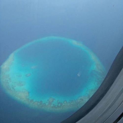 Maldives from the clouds.. Beautyatitsfinest Natural Nofilter Clickfromplane Spicejet Soothing View Incredible View Landscape Explore Naturephotography Oneplusonephotography Awesomeview Inflight