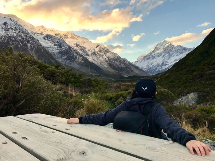 Over look Mt Cook peak at pit stop near sunset. It was my best hiking so far. Enjoyed very much. Mountain Mountain Range One Person Nature Real People Outdoors Scenics Sky Beauty In Nature Leisure Activity Adventure Cloud - Sky Day Landscape Vacations Cold Temperature Snow Men Adult People Lost In The Landscape Hiking Hikingadventures Best EyeEm Shot