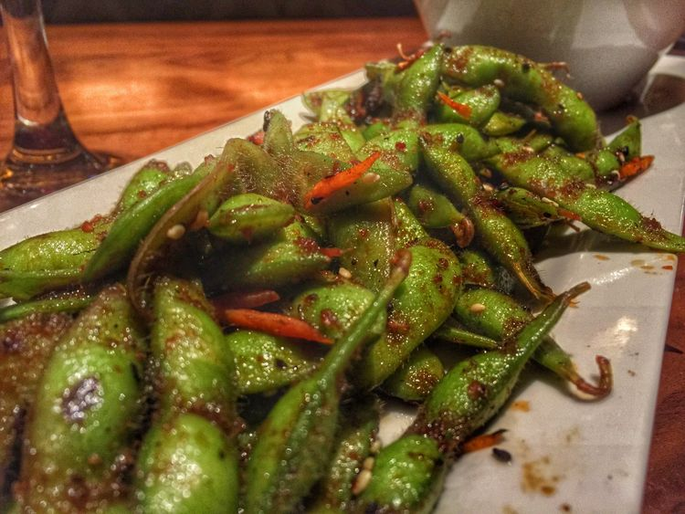 Edamame love. Green Love Foodie Healthyliving Vegetarian Food Organic My World Of Food The Foodie - 2015 EyeEm Awards Color Explosion Foodphotography Ilovemyhusband Datenight Vegetables Edamame