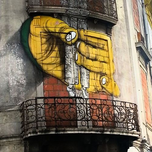 OsGemeos Streetart Lisbon Writing On The Walls