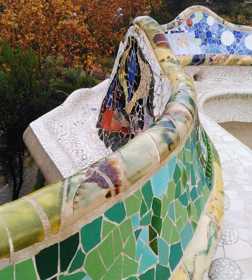 Park Güell, Barcelona Modernisme_catala Antoni Gaudí Colors