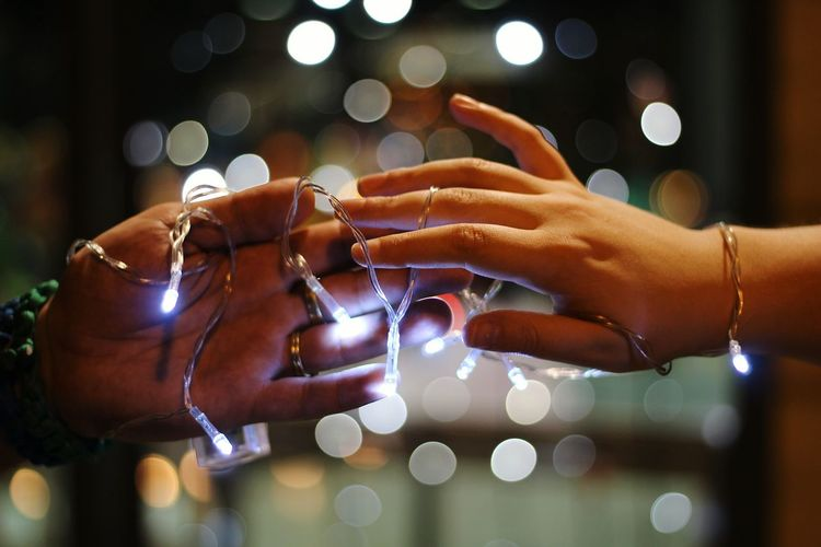 Love Couple Relationship Human Hand Defocused Illuminated Nightlife Happy Hour Close-up Christmas Lights Nail Art Photographing Photo Messaging The Creative - 2018 EyeEm Awards