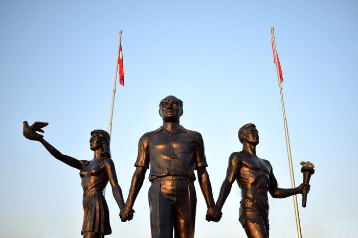 Atatürk HERO Leader Turkey Anıt Flag Heykel History Human Representation Kahraman Low Angle View Monument Sculpture Sky Statue