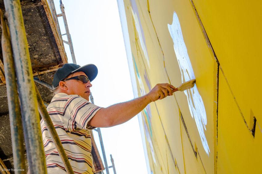 HipHop Arteurbana Luz Sombra Sol Architecture City Fotografiaautoral Documentaryphotography Fotodocumental Multi Colored Streetphotography Streetart Graffiti