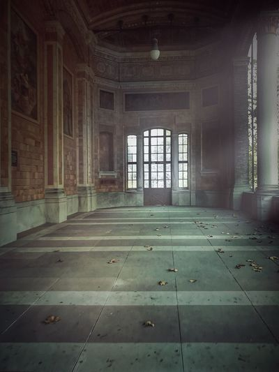 Indoors  Empty Architecture Built Structure History Romantic Scenery Romantic Place NEM Painterly Autumn Leaves Baden-Baden Trinkhalle Early Morning NEM Architecture In A Quiet Moment Light And Shadow Baden Baden Germany Baden Baden Old Buildings