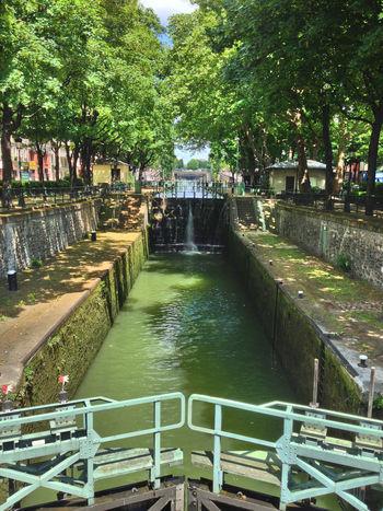 Paris City Water River Riverwalk Amelie Poulain :D No Edit/no Filter The Purist (no Edit, No Filter) Cityscapes Learn & Shoot: Leading Lines Q Quai