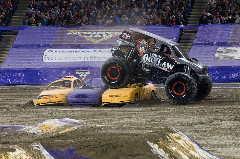 Jump Monster Jam Monster Trucks Auto Racing Day Motorsport No People Outdoors Racecar Sports Race Sports Track Truck Trucks