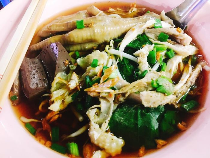 chicken noodle Chickens Noodles Thaifood Chainese Characters Food And Drink Ready-to-eat Food Freshness Serving Size Indoors  Still Life Asian Food Meal Bowl No People Japanese Food Soup