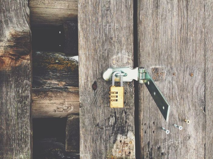 Safe not save Bad Condition Broken Close-up Damaged Door Lock Locks No People Old Security Wood Wood - Material Wooden