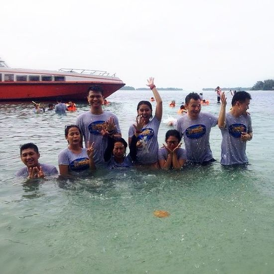 Friendship forever... :-) Transtv  Thousandisland PulauGentengKecil Facilities Division HappyDay