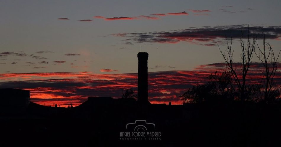 Sunset Outdoors Tranquility No People Sky Red Night Arquitectura Zamora Zamora, Spain Silhouette Golden Hour Chimenea Silhouette Scenics Landscape Water Beauty In Nature Nature Close-up Politics And Government Chimney RedClouds