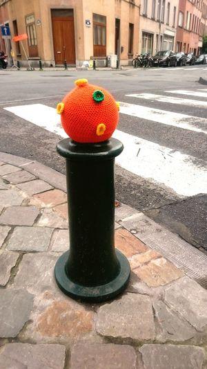 Street Art Bruxelles Yarn Bombing