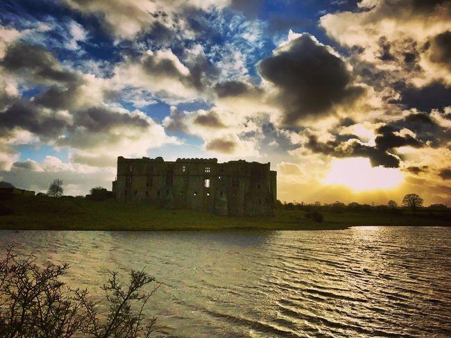 History Millpond Castle Pembrokeshire Castlesofwales Carewcastle Architecture Built Structure Sky History Cloud - Sky The Past Building Exterior