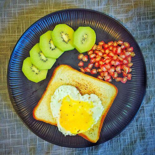 【❤️】今天把蛋煎碎了😂 春子私房菜 一个人生活 手机摄影 美食 早餐