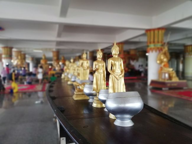 Buddhist Temple Buddha Statue BUDDHISM IS LOVE Gold Statue Store Gold Colored Museum Sculpture Sculpted Idol Buddha Carving Carving - Craft Product Place Of Worship Art Museum