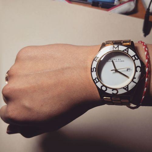 MarcJacobs Watches Minute Hand Close-up