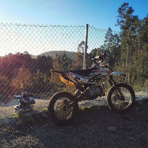 🌞 Come Out and Play.... keep 'em Separated! FreeTime Timetodisconnect Freeridemx Galiforniariding Woods Places Offroad Sunnydays Motocross Loveride Dirtbike Freeride MillionMilesAway Galiciacalidade Riasbaixas Mxgear Mx  Hobbytime Instamood Igersspain