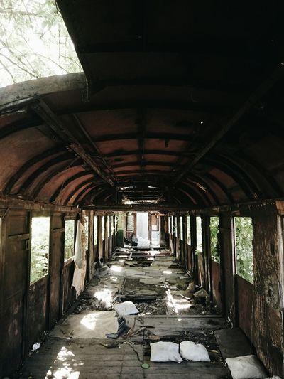 Home of homeless || Mieszkańcy Torunia! Zapraszam na spacer fotograficzny w pobliżu Dworca Głównego po opuszczonych miejscach. Sobota, godzina 11:00, przystanek Podgórska(linia 12,13). Szczegóły:https://facebook.com/events/864389383620328 Abandoned EEA3-Toruń Train EyeEm Best Shots