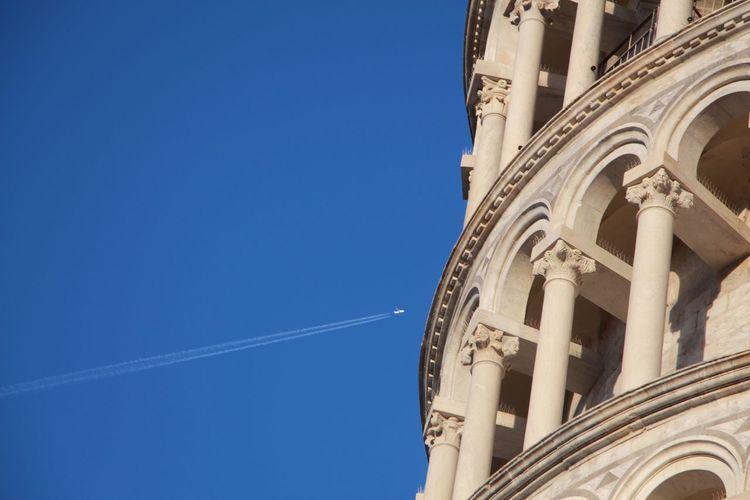 Traveling Italy Sky Plane Pisa