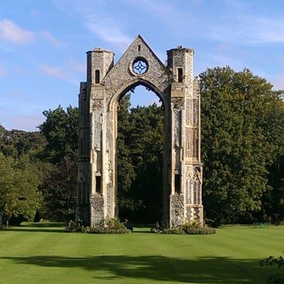 Walshingham Walshinghamgrounds Walshinghamabbey Grounds green shadow arch ruins footpath HTC htc1 dayout nofilters