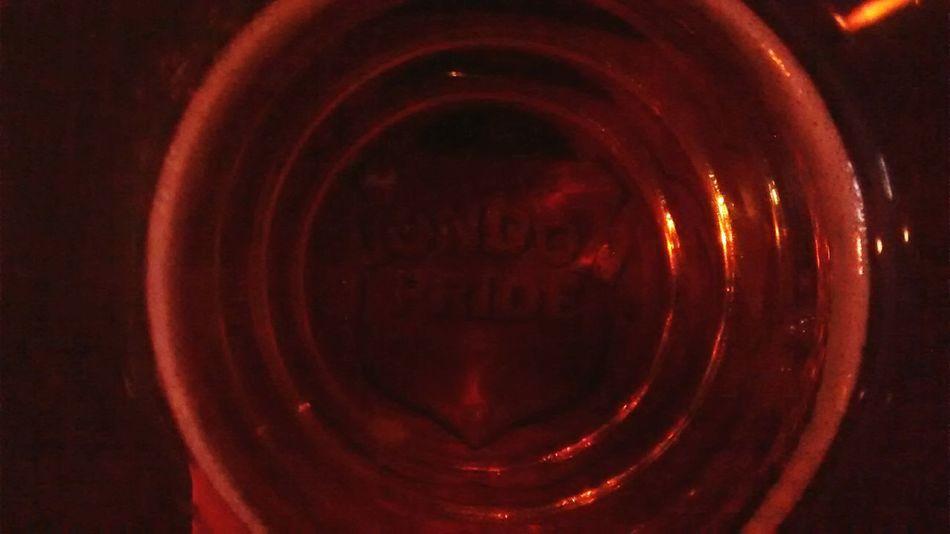 Close-up Pint Beer Glass Glass - Material Pint Of Beer London Pride London British Beer Pubs
