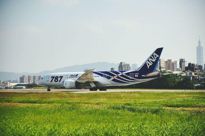 Airplane Airplane 787 Dreamliner Ana Eyeam_bestshot Moments Of My Life @ 私の人生の瞬間。 Eyeam Street EyeEm Best Shots EyeEm