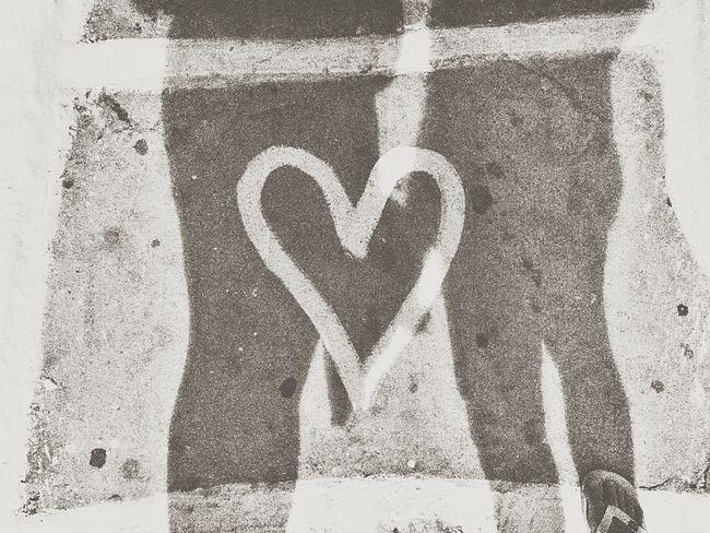 L'amore conta, conosci un altro modo per fregar la morte? Love Heart Amore Ombre Cuore Cuoricino Grecia Ios, Greece Magicmoment Memories