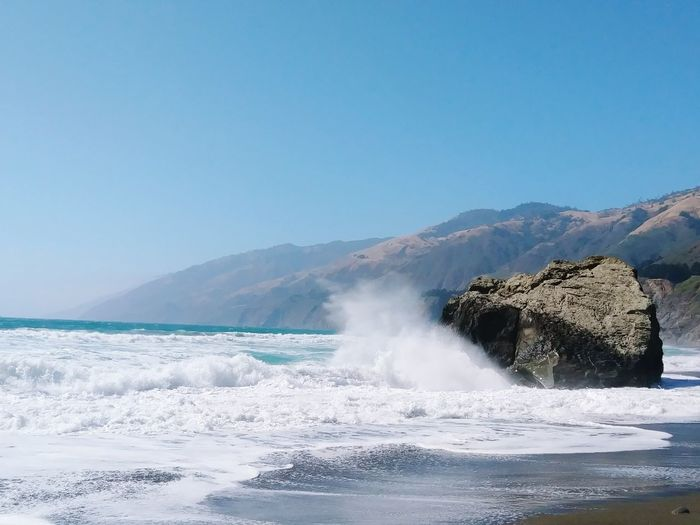 Power In Nature No People Outdoors Nature Landscape Day Beauty In Nature Water Sky Ocean Tide Coming In CaliLife California Coast California Love Horizon Over Water Wave Beach Motion Clear Sky Tide Returning