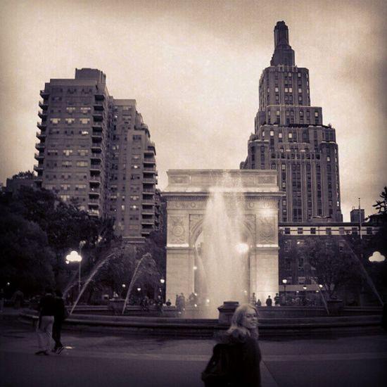 I want to be a part of it... NYC Newyorkcity Newyork Washingtonsquare photo square Fountain water fortheloveofblackandwhite blackandwhite manhattan travel tourism instagram