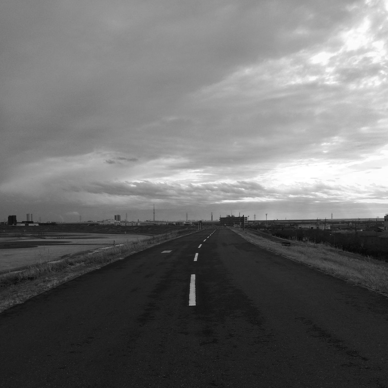 road, the way forward, diminishing perspective, cloud - sky, sky, transportation, street, outdoors, nature, landscape, scenics, no people, day, beauty in nature