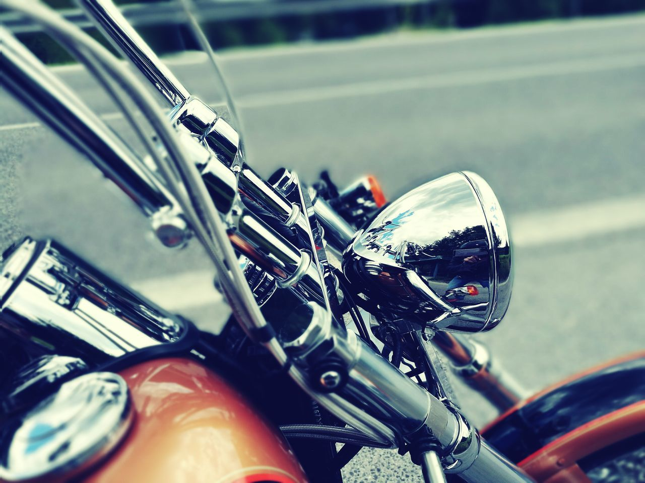 mode of transport, transportation, land vehicle, motorcycle, handlebar, close-up, bicycle, stationary, road, street, cycling, outdoors, focus on foreground, speedometer, speed, biker, day, riding, one person
