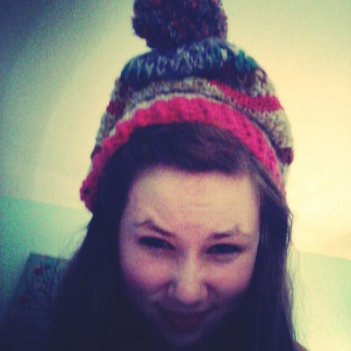 hats<3
