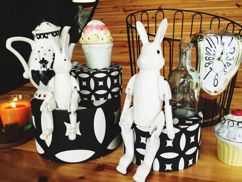Magic Rabbit 懷錶 兔子 擺飾 扭曲的時鐘