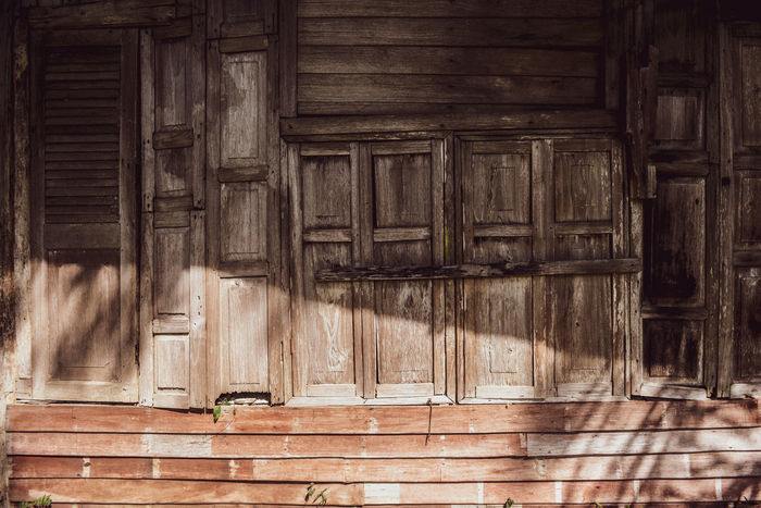 Wooden house House Old Wood Home Vintge Architecture Wooden Teak Wood Tradition Thailand Style Design Decoration Ancient Art Beauty Brown Countryside Lifestyles Thaistyle Thaihouse Wooden House Beautiful House Window Made From Teakwood