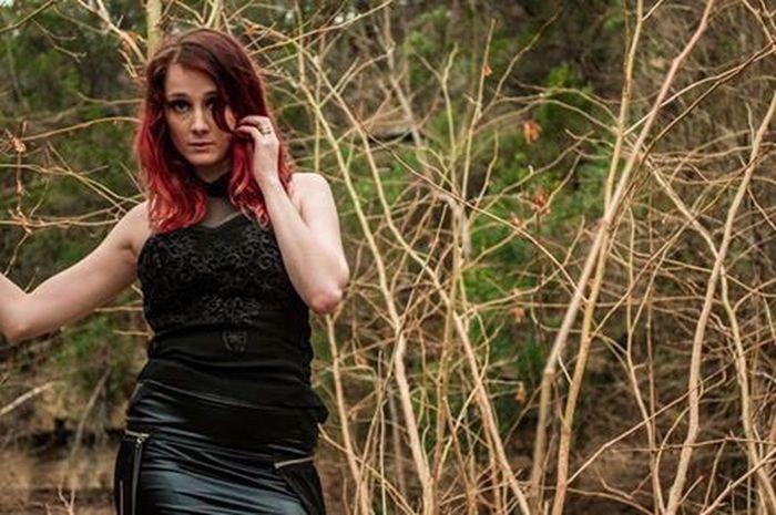 Photo 7 green belt shoot. Model: Viccy Lemmond Photography Texas Beautiful Girl Model Nature Photoshoot Austin Green Belt