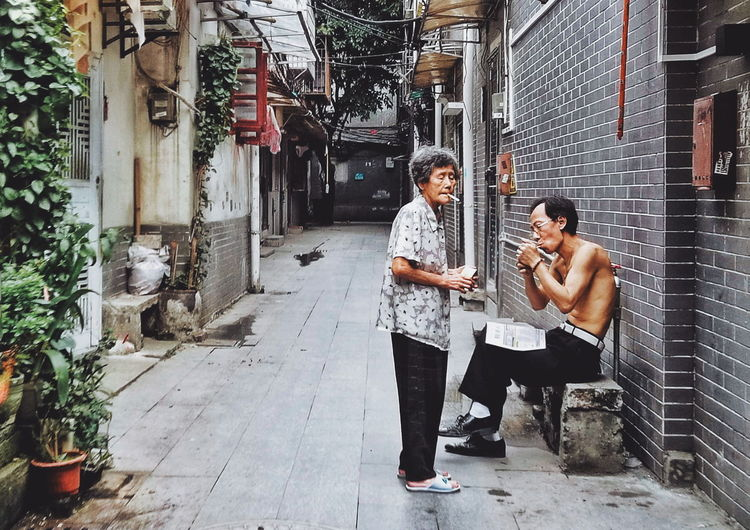 后街的happy hour。 Smoking Old Person 活着 荔湾区 西关 上下九